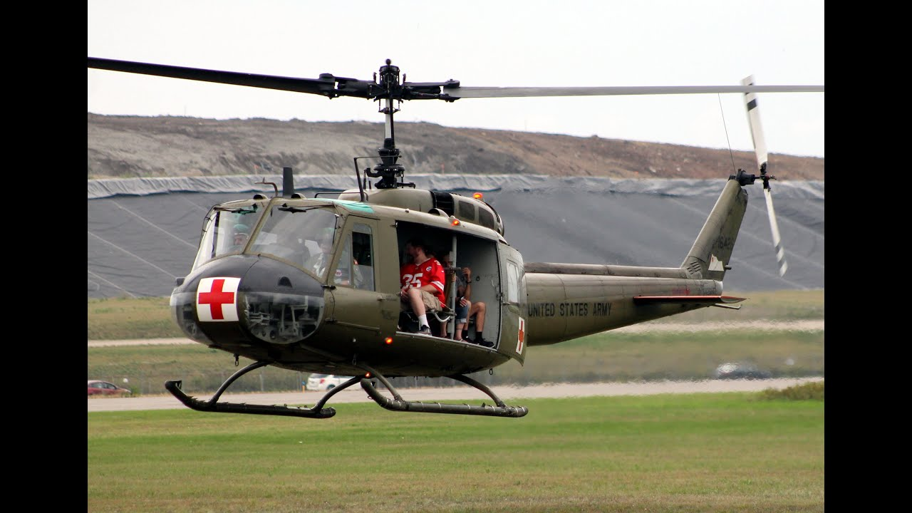 Uh 1 Elicottero : My flight in a bell uh h huey helicopter thunder over