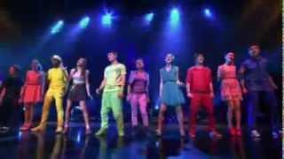 Repeat youtube video Violetta Show final Violetta y elenco cantan 'Ser Mejor'