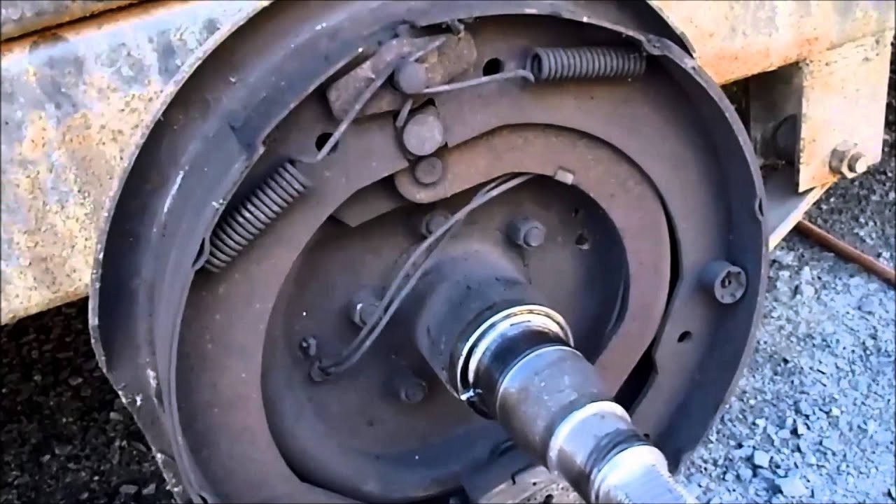 Replacing The Brakes On A 7000lb Dexter Axle With Oil Bath
