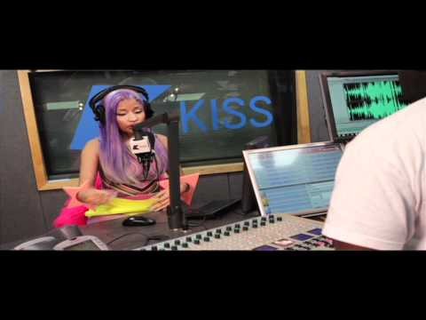 Nicki Minaj Starships video exclusive announcement