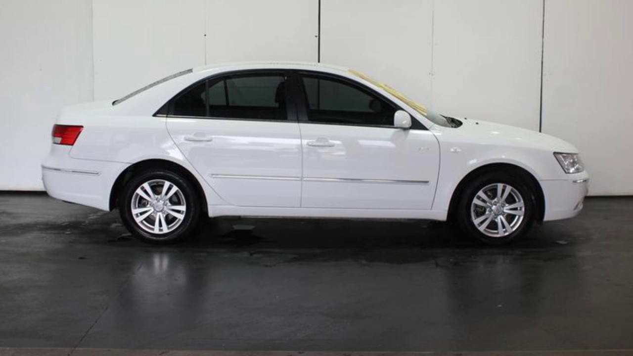 2010 hyundai sonata nf my09 slx white 4 speed automatic