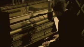Radiohead's Videotape Played in Reverse (beautiful)