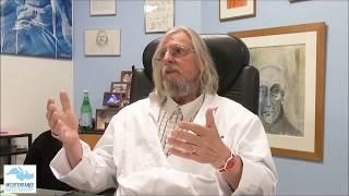 Qui est le Professeur Didier Raoult de l'IHU Me'diterrane'e-Infection  Marseille ? Qui est re'ellement le docteur Didier Raoult pour qu'on parle autant de lui en cette pe'riode de pande'mie ? Est-ce que la chloroquine est si dangereuse qu'on le ..., From YouTubeVideos
