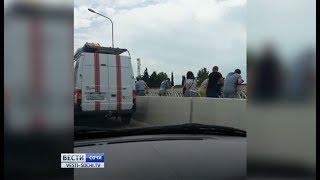 Спасатели в Сочи сняли пьяную женщину с опоры моста