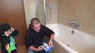 Loch in einer Acryl Badewanne reparieren