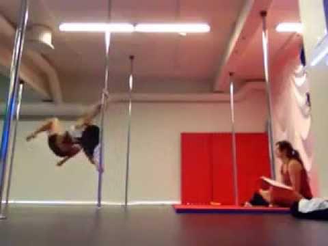 La meilleure danseuse de pole danse du monde