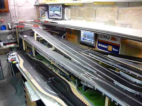Circuit slot racing scalextric digital 45m – 6 voitures – Bourgogne – P1