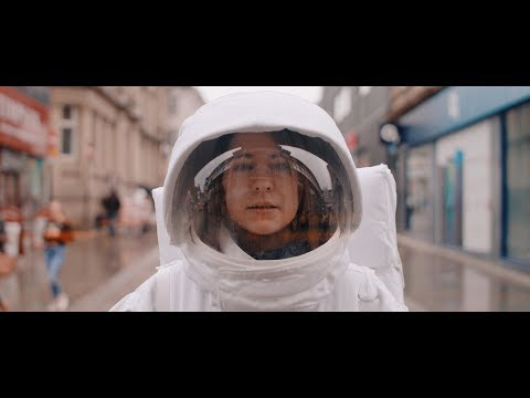 Смотреть клип Lucy Spraggan - Lucky Stars