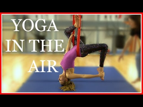 MY FIRST AERIAL YOGA CLASS | VLOGMAS #6 AD