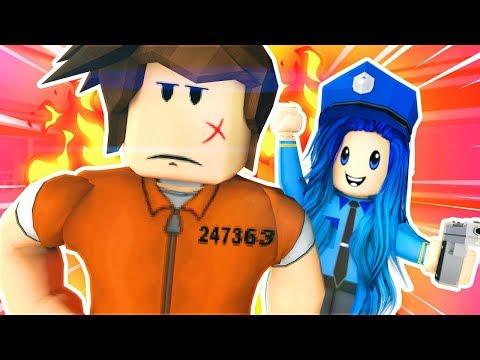 WE BECOME THE WORST COPS in Roblox Jailbreak!