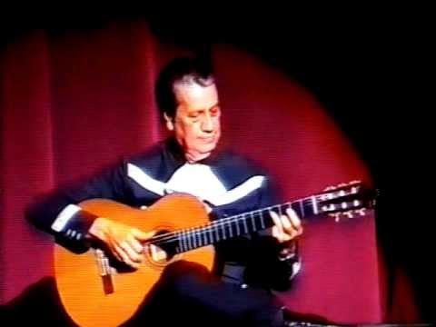 el maestro en la guitarra elias torres en el teatro de la ciudad mxico df