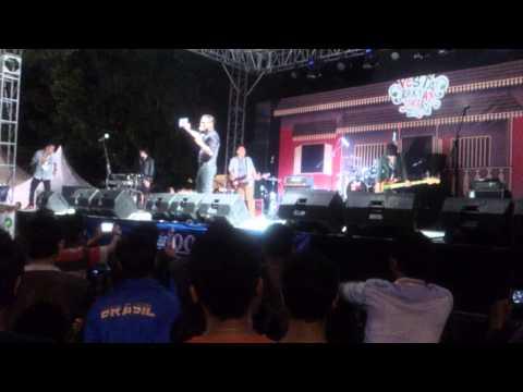 Ady Eks Naff Live Perform PRJ 2015 Senayan