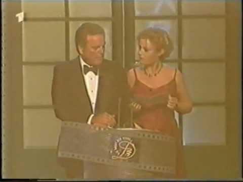 Jennifer Nitsch + Robert Wagner - Filmband 1998 - YouTube  Jennifer Nitsch...