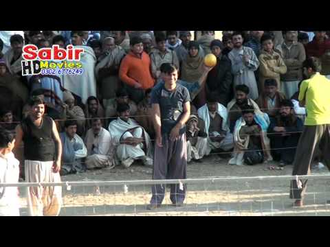 Khan Zubair Khan Trag VS Sayed Owan Abbas Shah Tobhi Volibal Show Match 31-01-2016 Naushehra Part 2