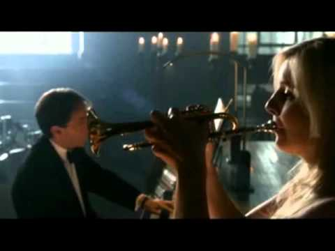 Alison Balsom joue Bach Concerto en ré majeur.wmv