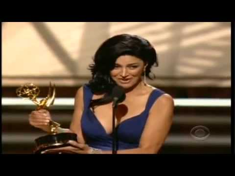 Iranian actress Shohreh wins Emmy 2009