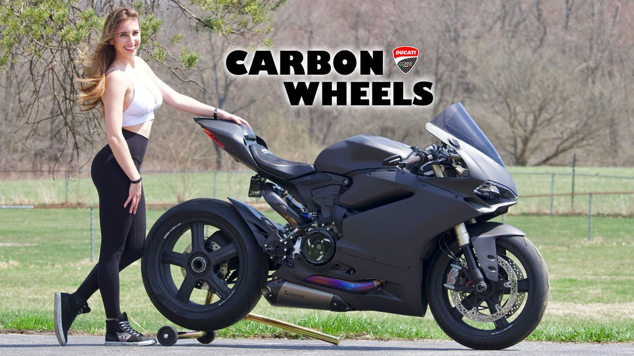 Panigale With 4 000 Carbon Fiber Wheels Youtube