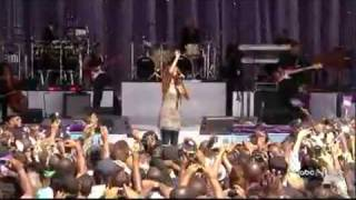 WHITNEY HOUSTON - I LOOK TO YOU (LIVE AT CENTRAL PARK) GMA 09-02-09