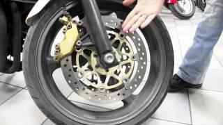 Проверяем состояние тормозного диска и колодок. Для тех, кто покупает первый мотоцикл.