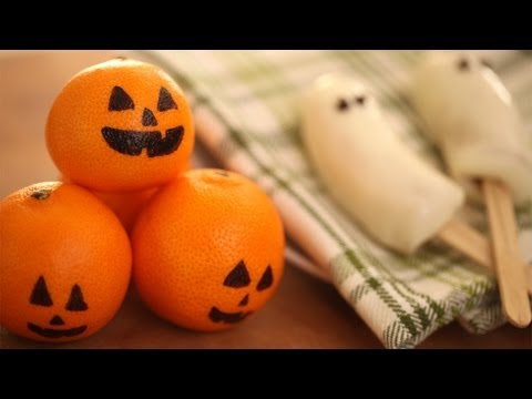 How to Make Frozen Ghost Bananas & Citrus Jack-O-Lanterns || KIN PARENTS