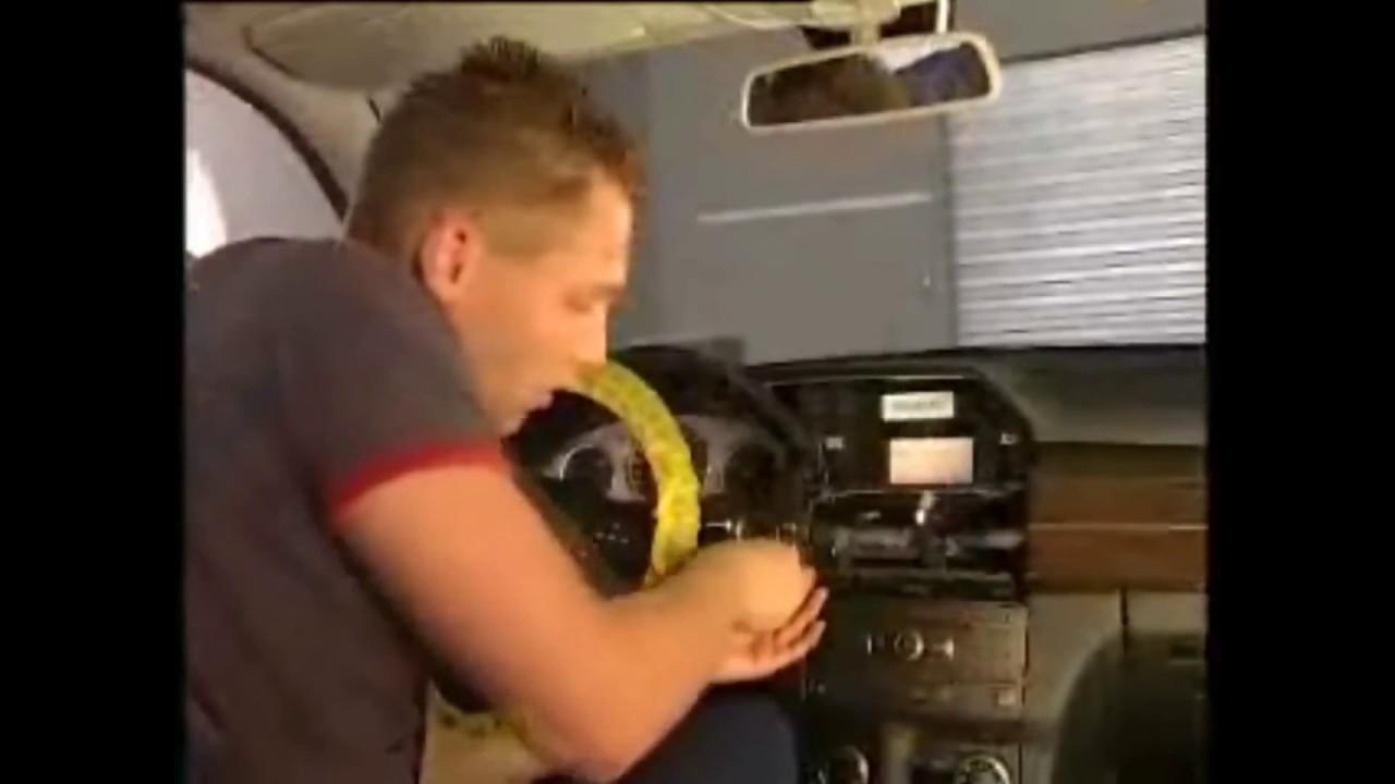 Как снять Радио, COMAND или дисплей Mercedes-Benz GLK W204