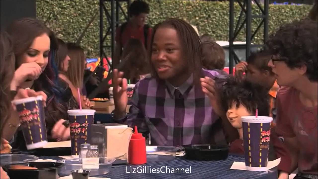 iParty with Victorious: At the lunch table [Clip #2] - YouTube   1280 x 720 jpeg 90kB