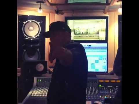 Daddy Yankee - Sigueme Te Sigo (Preview) [King Daddy II]