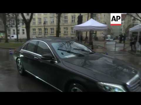 Stoltenberg, McCain arrive in Munich for meeting