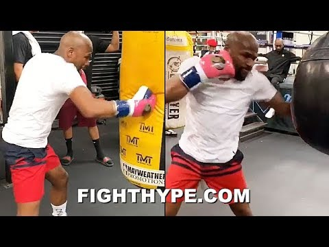 (WOW!) FLOYD MAYWEATHER LANDING FRIGHTENING CRISP PUNCHES; LIGHTS UP HEAVY BAG SHARP AF IN TRAINING