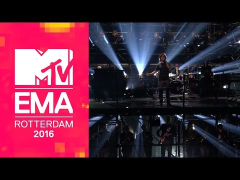 Lukas Graham – You're Not There / 7 Years (Live from the 2016 MTV EMAs)