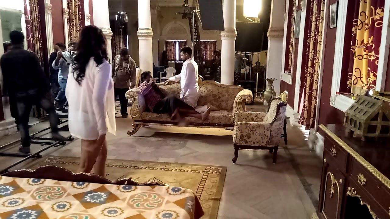 On location Rakesh Mishra Aur Poonam Dubey seducing song