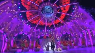 Gambar cover Deepika padukone dance live to nagada sang nonstop