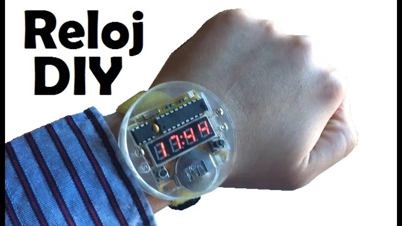 67adc69db075 Como montar un reloj digital de pulsera - DIY - YouTube
