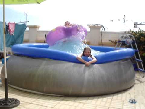 Funny kids paddling pool fun youtube for Biggest paddling pool