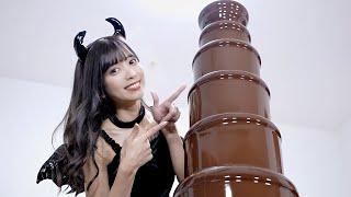 大量のハロウィン駄菓子とチョコ10kgで超巨大チョコフォンデュしてみた!!【チョコレートファウンテン】