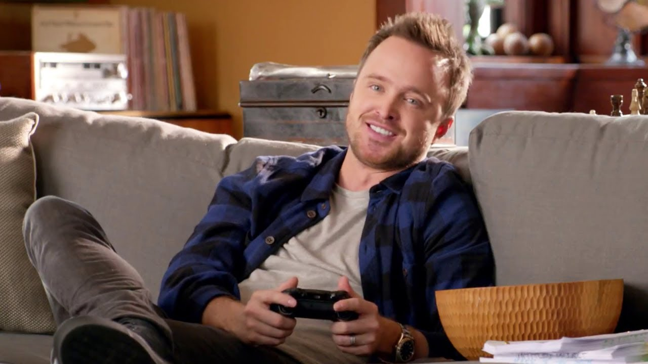 Xbox One Aaron Paul TV...