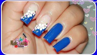 Decoración de uñas azul / uñas con flores sencillas y fácil de hacer / Diseño de uñas principiante