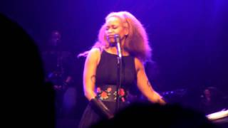 Erykah Badu Humble Mumble & That Hump Live Brixton Academy London 2010