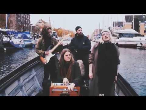 Katinka - De Juleløse Holder Jul