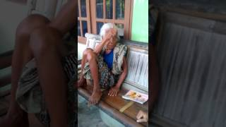 Video video lucu nenek-nenek ngapak ! download MP3, 3GP, MP4, WEBM, AVI, FLV September 2018