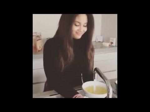 Maheeda's Daughter Drinking Garri On Her Birthday thumbnail