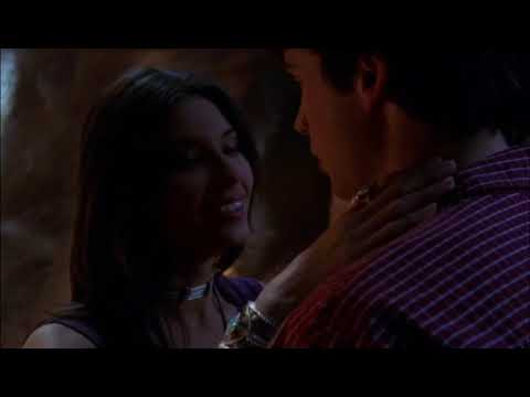 Download Smallville 2x10 - Clark saves Kyla / kiss in the caves