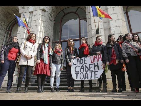 Protest împotriva violenţei domestice la care sunt supuse femeile