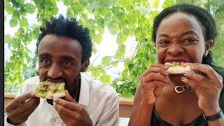 Where to Eat The Best pizza in Addis Ababa/Ethiopia restaurant review!/Effoi pizza