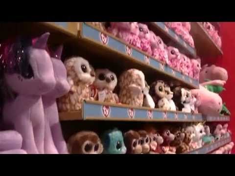 TRIP TO LONDON Part 4 HAMLEYS : SOFT TOYS ty Beany Boos Glubschis  The Oldest Toy Shop in the World