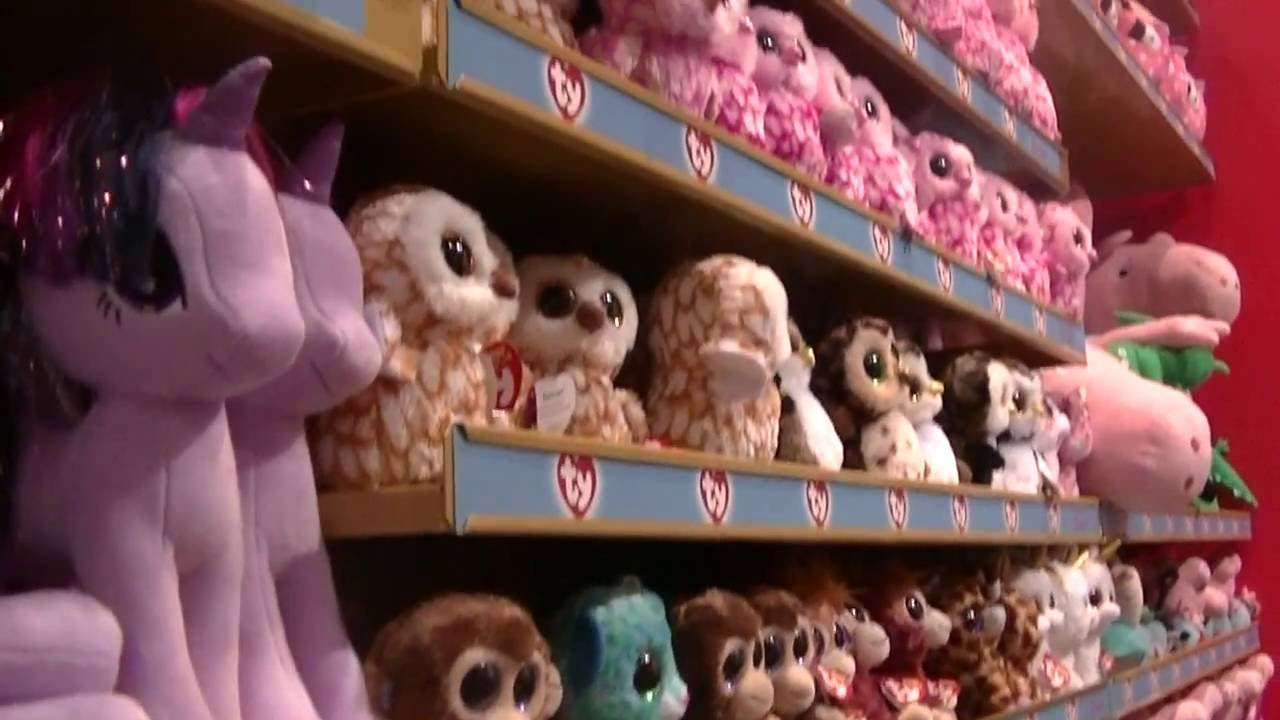 454e96f5a05 TRIP TO LONDON Part 4 HAMLEYS   SOFT TOYS ty Beany Boos Glubschis The  Oldest Toy Shop in the World - YouTube