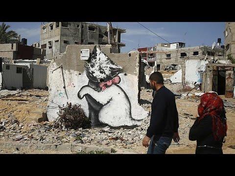 Banksy à Gaza : bombes de peinture sur ville bombardée