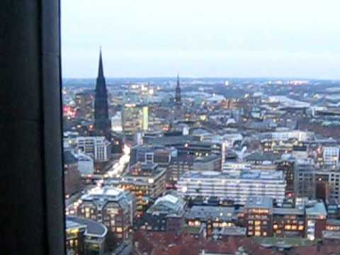 E90DEH03 - High up at the St.Michaelis in Hamburg, freezing!