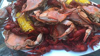 How to cook/boil blue crab and crawfish sea food boil