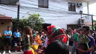 2013 長灘島的 Ati-Atihan宗教節慶.   The 2013 Ati-Atihan Festival in Boracay , Philippine .